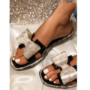 Embellished Bow Jelly Sandals in Black